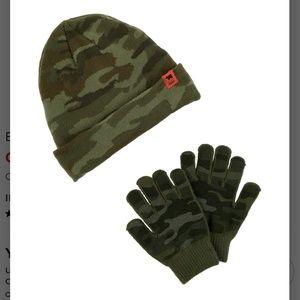 Carter's Camo boys hat & glove set (NWT)